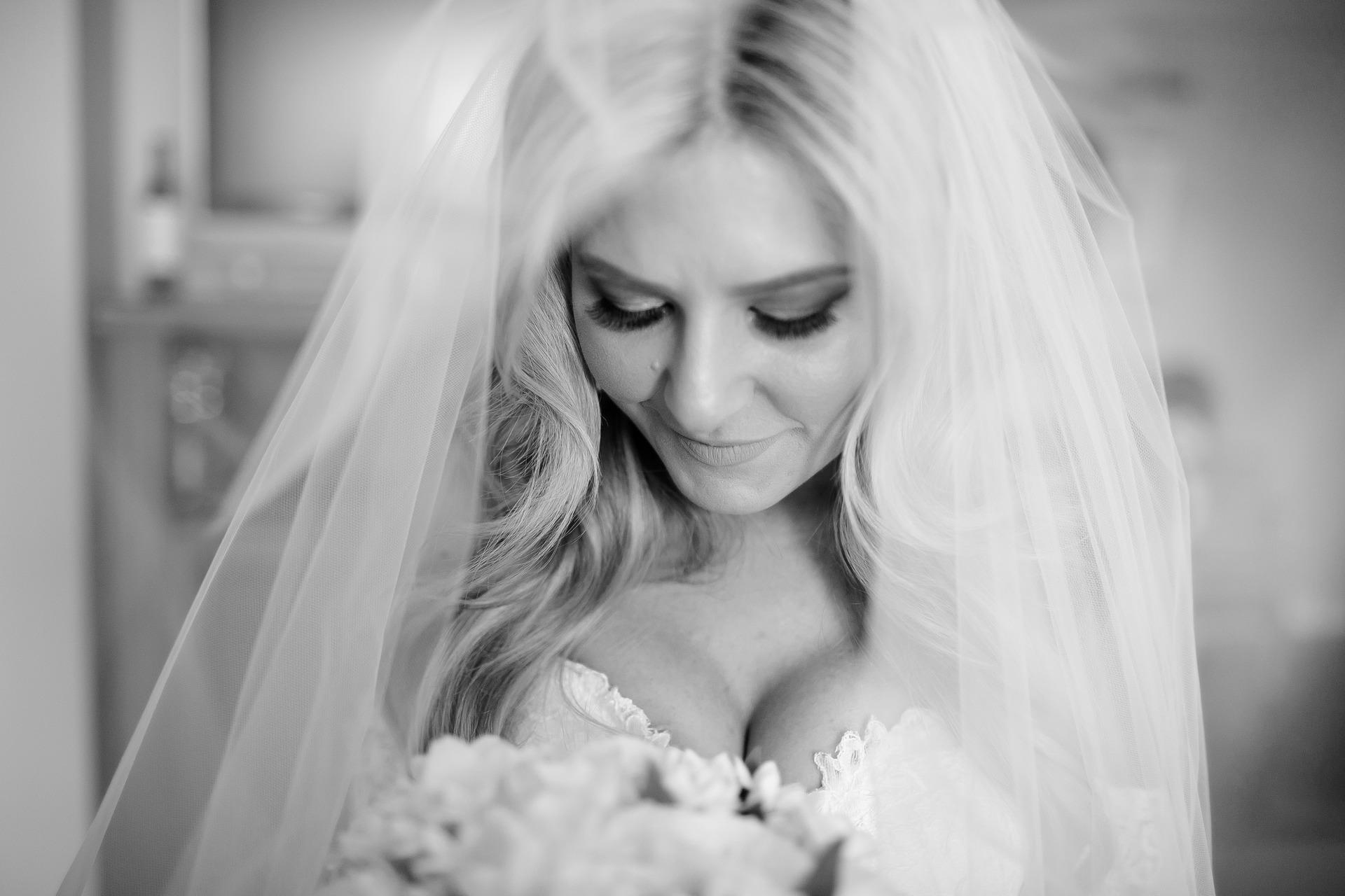 bride in wedding veil