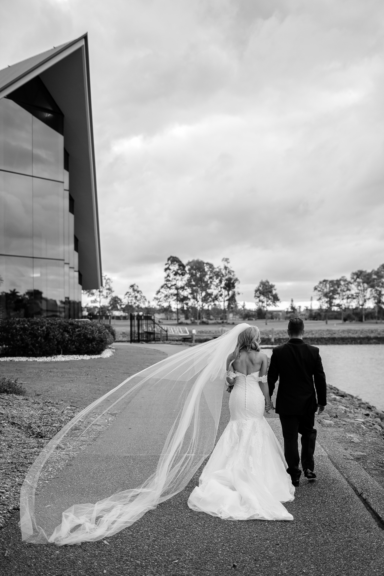 bride and groom on the gold coast