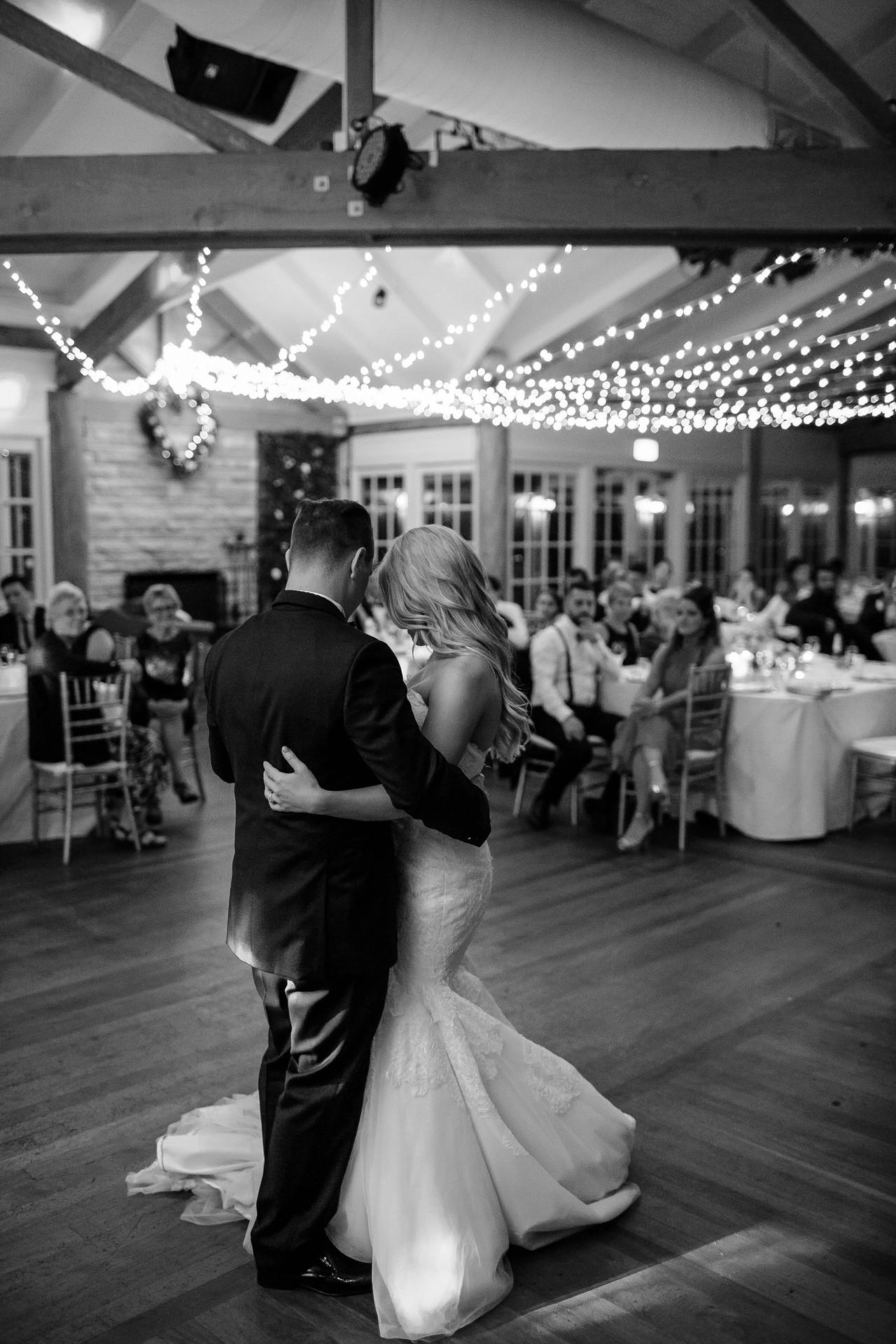 gold coast wedding dance