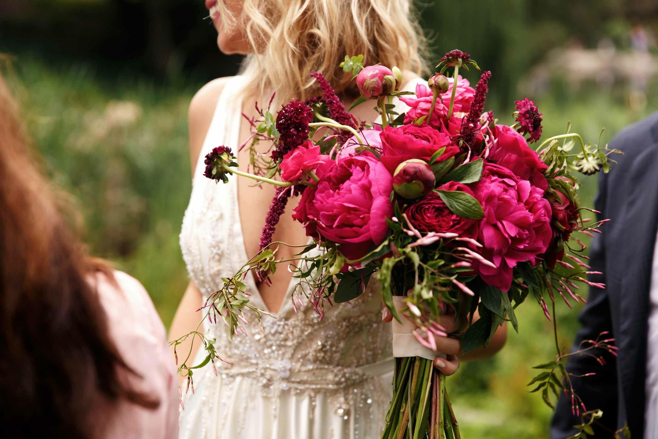 5 Creative Bridal Bouquet Ideas To Steal